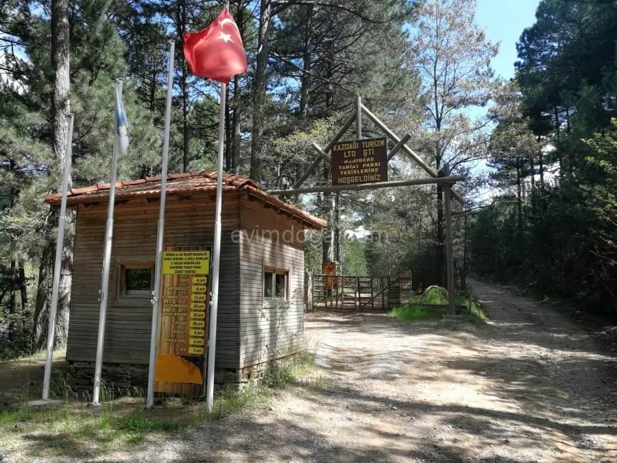 Darıdere Tabiat Parkı Kamp ve Karavan Alanı Kazdağları kamp